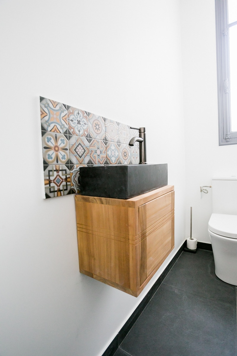 Meuble vasque en teck et marbre