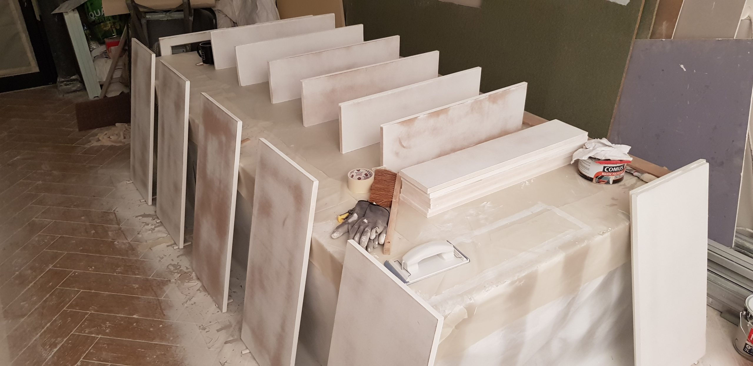 Peinture laqué des meubles au pistolet